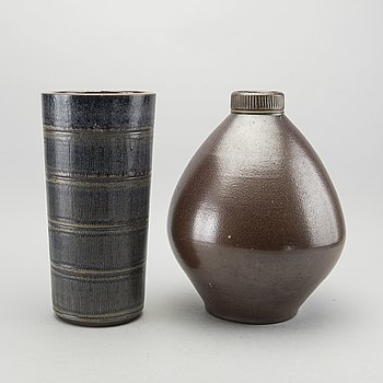 ARTHUR ANDERSSON, a set of two stoneware vases for vallåkra.