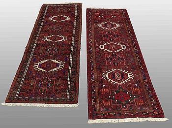 MATTOR, 2 st, Karadja, ca 205 x 64 resp 210 x 65 cm.