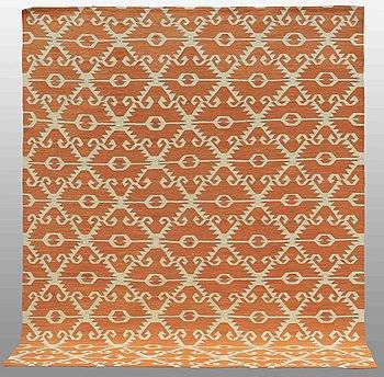 A CARPET, flat weave, 292 x 244 cm.
