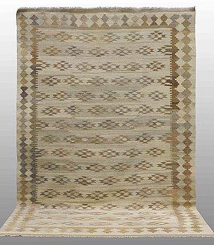 A carpet, Kilim, ca 323 x 209 cm.