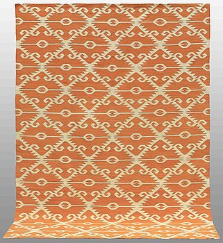 A CARPET, flat weave, 297 x 216 cm.