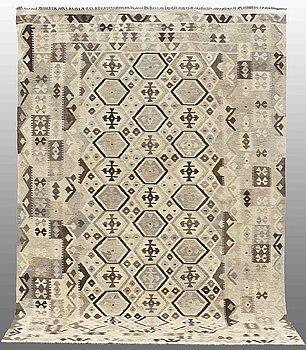 A carpet, Kilim, ca 300 x 203 cm.