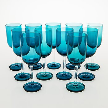 NANNY STILL A Set of 11 Harlekiini Wine Glasses by Riihimäen lasi Oy, 1950-60s.