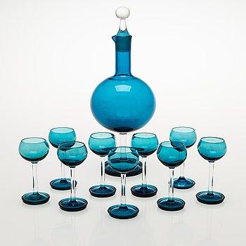 NANNY STILL set of nine Harlekiini liqueur glasses with a decanter, Riihimäen Lasi Oy, 1950-60s.