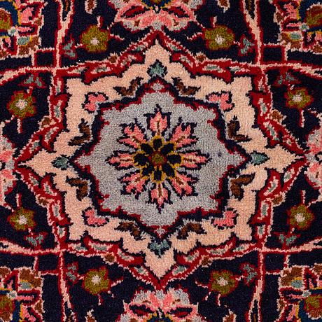 A carpet, kashan, circa 367 x 243 cm
