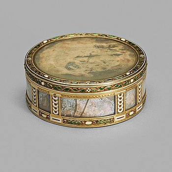 237. A Fabergé gold, enamel and miniature box, workmaster Henrik Wigstrom, St. Petersburg 1899-1908. Scratched inventory no.