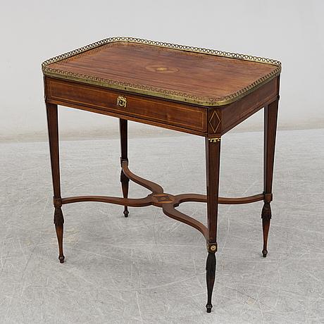 Sybord, sengustavianskt, omkring år 1800.