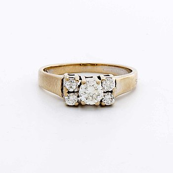 RING 18K gold and whitegold 5 brilliant-cut diamonds approx 0,55 ct in total engraved.