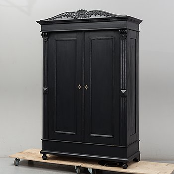 An early 20th Century painted cabinet.