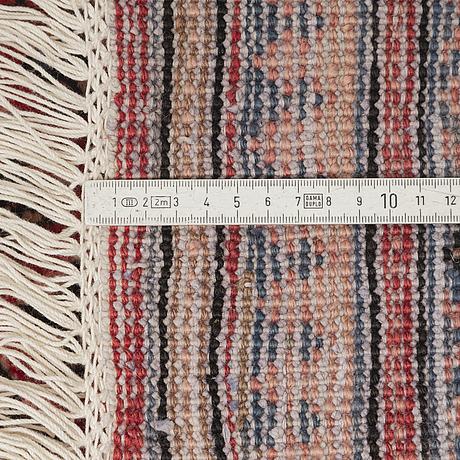 A carpet, a sarouk mir, ca 333 x 240 cm