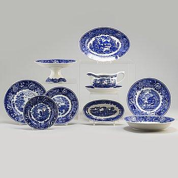 REINHARD RICHTER, a 31 piece creamware service, 'Masema', Arabia, Finland, 1941-64.