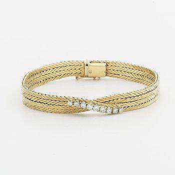 BRACELET 18K gold w 9 brilliant-cut diamonds approx 0,45 ct in total.