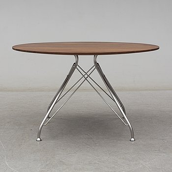 A 'Wire' coffee table by Overgaard & Dyrman, 21st Centruy.
