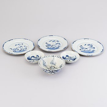 Three Chinese porcelain bowls and three porcelain dishes Ming dynasty (1368-1644) and Qianlong (1736-1795).