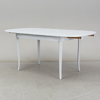 A first half of the 20th century dining table.