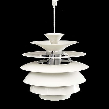 POUL HENNINGSEN, a pendant PH Snowball alter part of the 20th century.