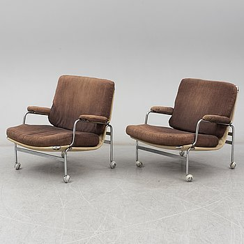 BRUNO MATHSSON, a pair of 'Karin' easy chairs from Dux.