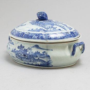 TERRIN med LOCK, kompaniporslin. Qingdynastin, Qianlong (1736-95).