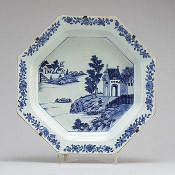 An octangular blue and white 'European Subject' serving dish, Qing dynasty, Qianlong (1736-95).