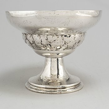 A silver bowl by H Muller, Stockholm, 1921.