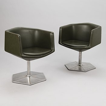 VOITTO HAAPALAINEN, a pair of 1970s 'Prisma' armchairs for Martela.