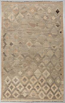 A CARPET Kilim, ca 316 x 195 cm.
