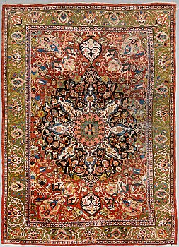 A CARPET, an antique Mahal, ca 429,5 x 311,5 cm.