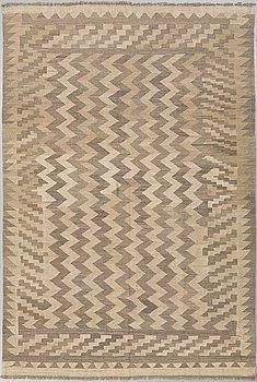 MATTA, Kelim, ca 245 x 170 cm.