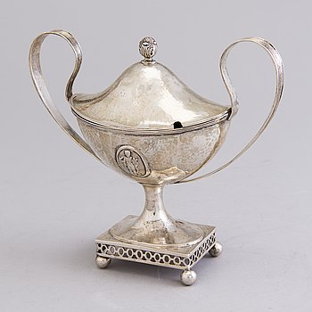 SUGARBOWL, silver first half of the 20th century. Swedish import marks.
