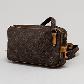LOUIS VUITTON, 'Marly Bandouliere'.