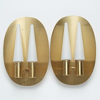 A pair of brass and glass wall sconces by Hans-Agne Jakobsson, Markaryd, second half of the 20th century.