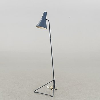 A FLOOR LAMP BY SVEND AAGE HOLM SØRENSEN FOR ASEA SWEDEN MID 20TH CENTURY.