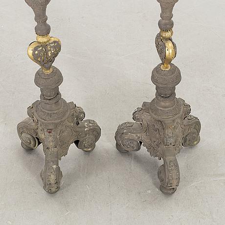 Altarljusstakar, ett par, barockstil.