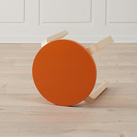 """Alvar aalto, en pall, """"e60"""", artek."""
