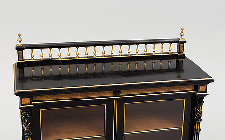 A late 19th century show cabinet
