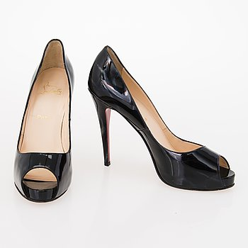 CHRISTIAN LOUBOUTIN Patent Leather Peep Toe Pumps in size 40.