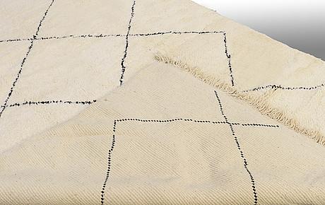 A moroccan carpet, ca 315 x 217 cm