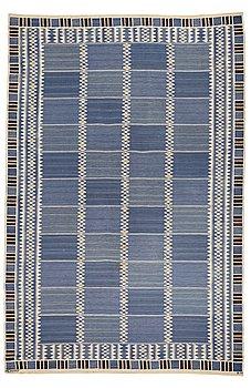 "207. Barbro Nilsson, A CARPET, ""Salerno blå"", flat weave, ca 425-429,5 x 278-281 cm, signed AB MMF BN."