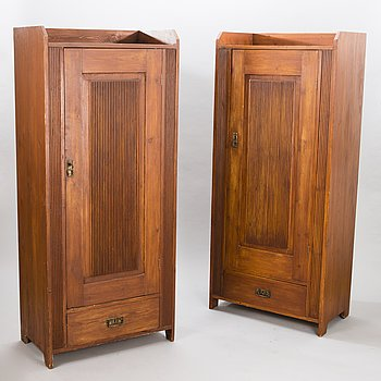 A PAIR OF CUPBOARDS, Jugend, early 20th century.