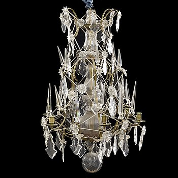 A Baroque-style chandelier around 1900.