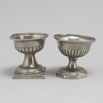 SALTKAR, 2 st, tenn, 1700-tal.