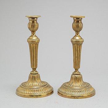 LJUSSTAKAR, ett par, brons, Louis Seize, Frankrike, 1700-talets andra hälft.