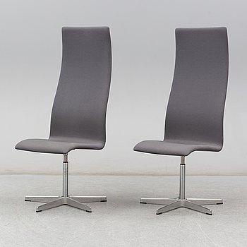 """ARNE JACOBSEN, stolar, ett par, """"Oxford hög"""", Fritz Hansen, Danmark, 2005."""