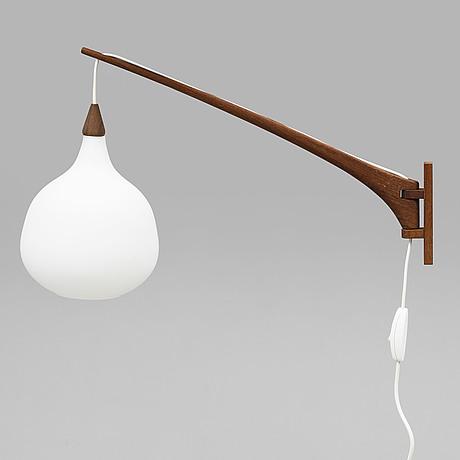 Uno & Östen kristiansson, an oak wall light from luxus, 1950's/60's.