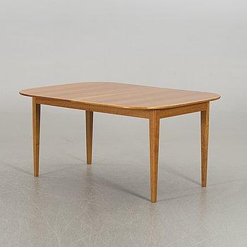JOSEF FRANK, matbord, för Firma Svenskt Tenn, modell 947. 2 (2) iläggsskivor medföljer.