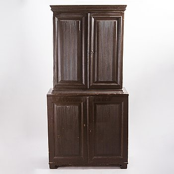 A GUSTAVIAN CUPBOARD, early 19th century.