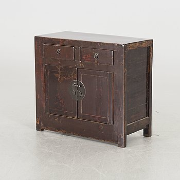 A 20th century Chinese sideboard / cabinet.