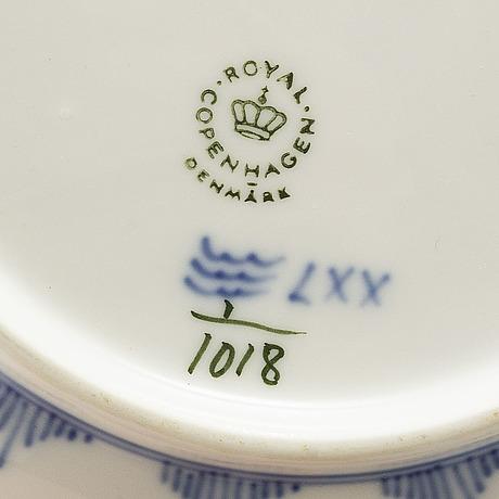 "Royal copenhagen, matservis, 76 delar, porslin, ""musselmalet helblonde"", danmark"