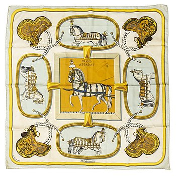 "HERMÈS, scarves, 2 st, ""Grand Apparat"" samt ""Gibiers""."