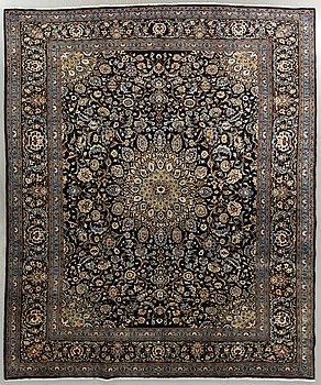 MATTA Keshan old ca 375 x 295 cm.